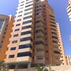 Apartamento en la Trigaleña, edificio con planta eléctrica