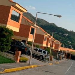 EN VENTA CASA EN LOMAS DEL COUNTRY | Valencia Carbobo