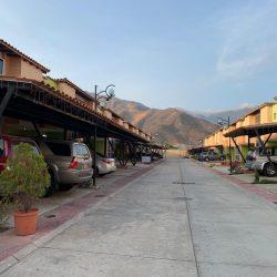 EN VENTA TOWNHOUSE EN VILLAS LA FONTANA | San diego