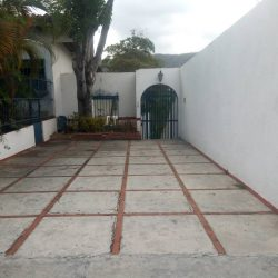 EN VENTA QUINTA EN PRADOS DEL ESTE | Caracas