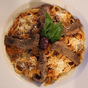 amatriciana-con-lomito_kourosh-bar-restaurante_cercademy