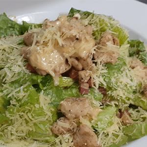 ensalada-cesar-con-pollo_kourosh-bar-restaurante_cercademy